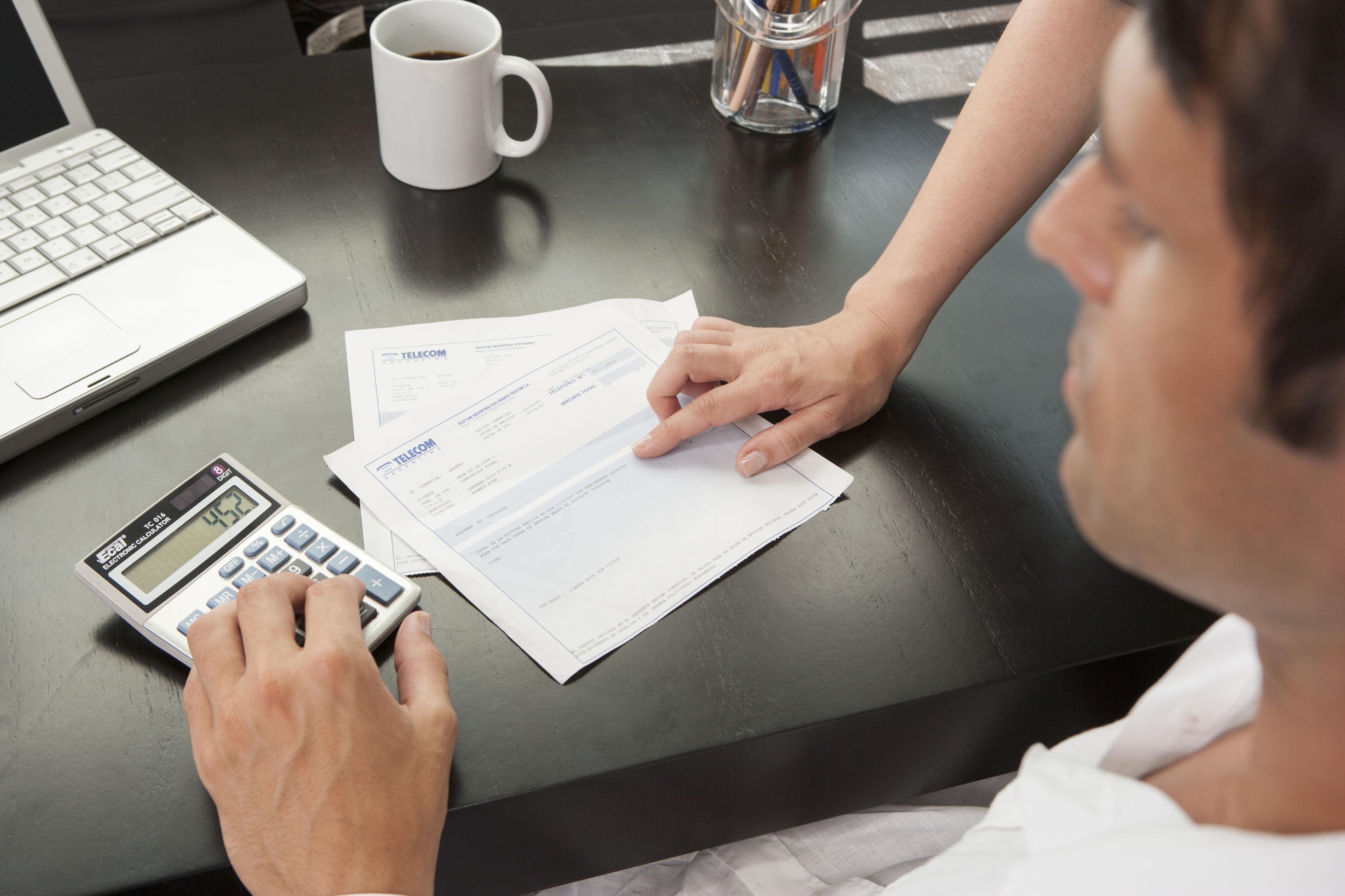Banyak waktu yang dihabisakan apabila masih menggunakan akuntansi tradisional