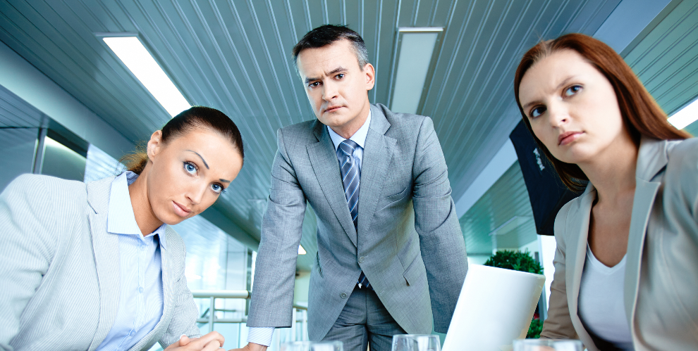 5 Tips Menghindari Absen Karyawan Yang Berlebihan
