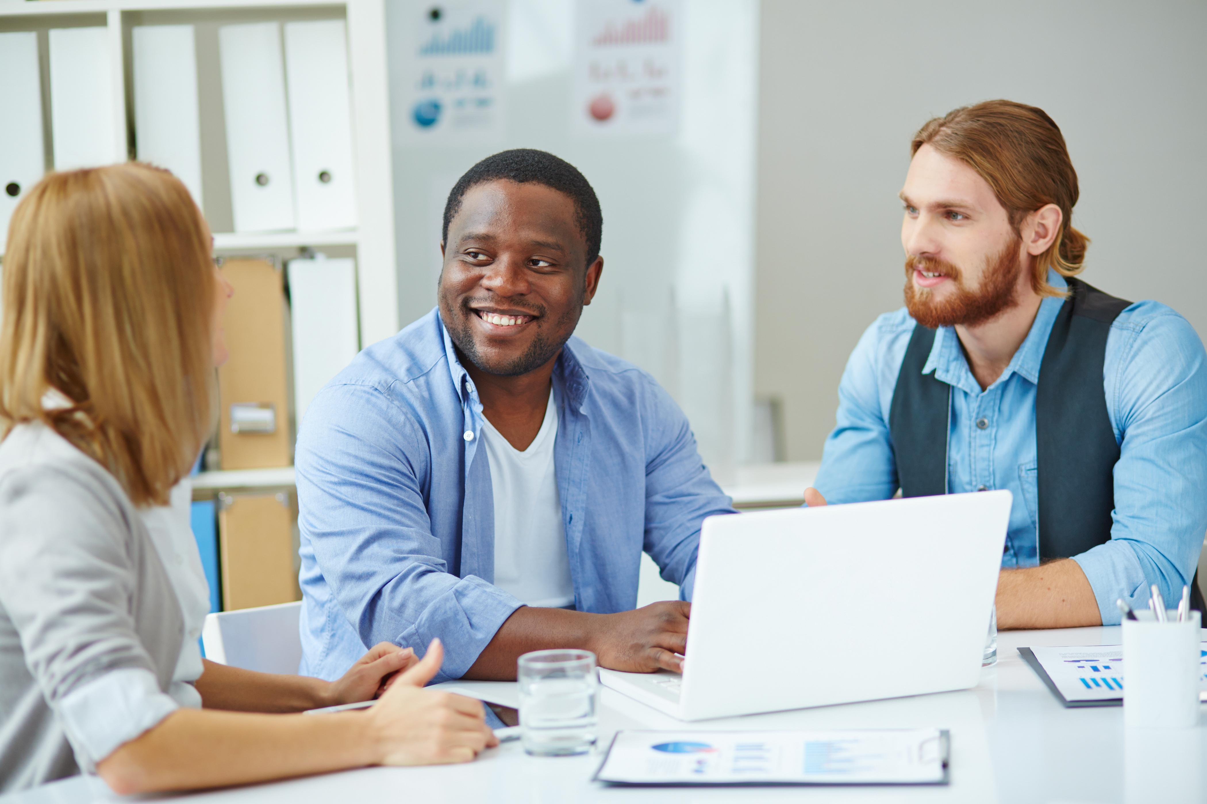 5 Tips Terbaik Meningkatkan Semangat Karyawan di Awal Tahun!