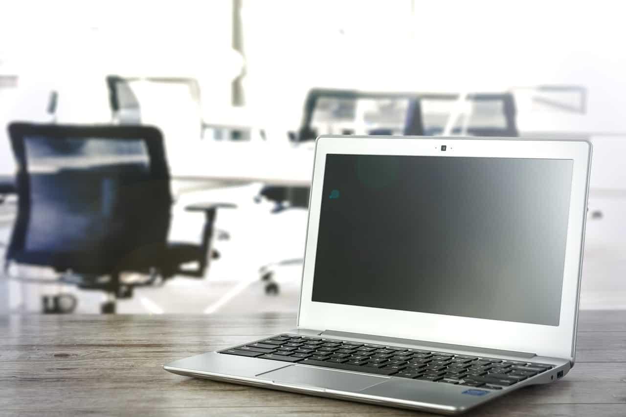 4 Tips Agar Kondisi Budget Tetap Aman Saat Memilih Software HR