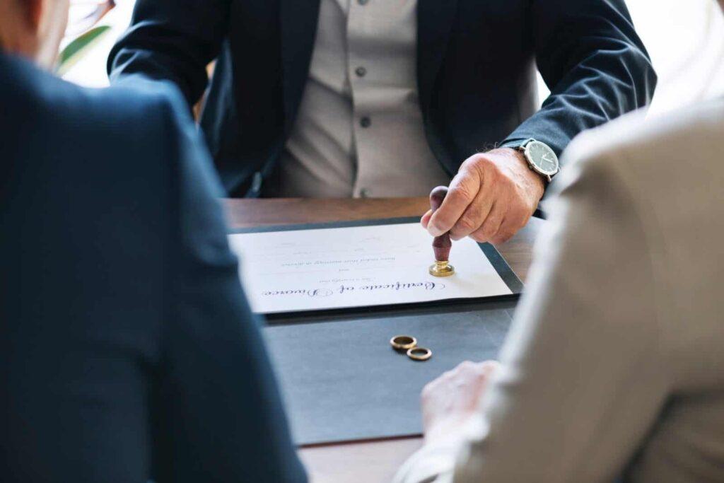 Tips Lengkap dan Contoh Membuat Surat Perjanjian Hutang Usaha