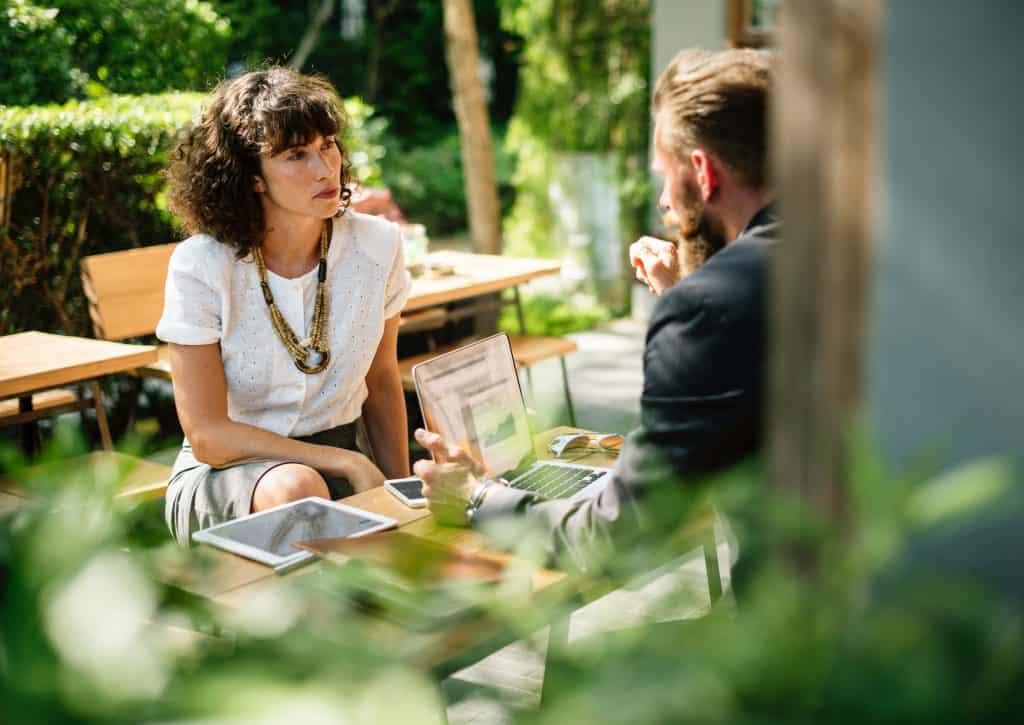 6 Cara untuk Melakukan Negosiasi Gaji Karyawan
