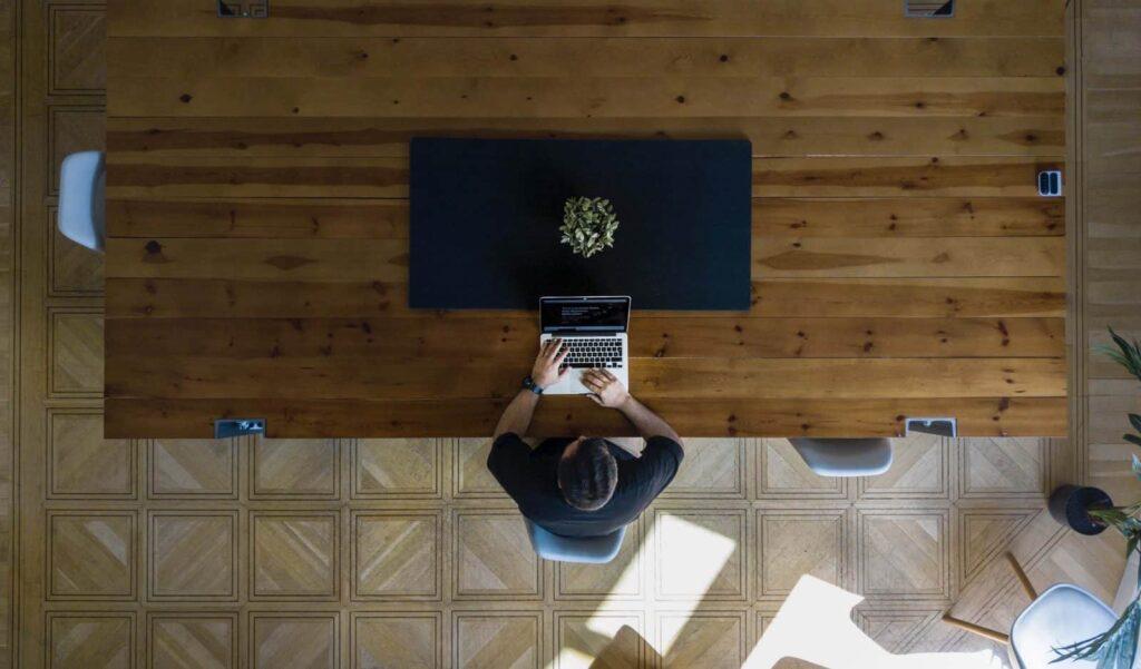 Cara Mengetahui Karyawan Mangkir dan Tips Menghada …
