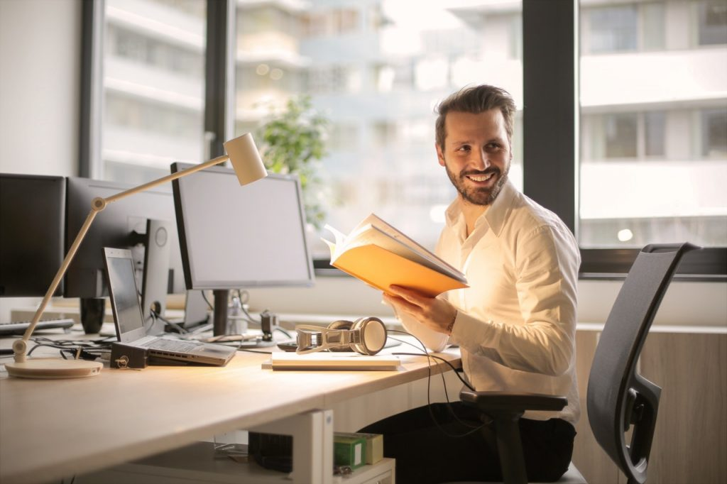 Produktivitas Karyawan Meningkat 12% Jika Bahagia, Ini Alasannya