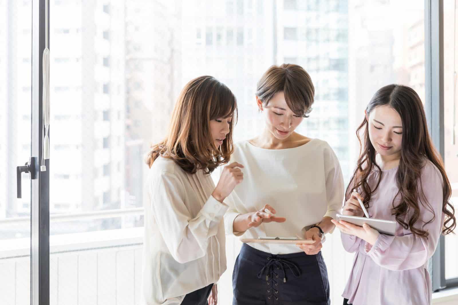 Berminat Gunakan Aplikasi HR? Kenali Kelebihan Dan Kekurangannya