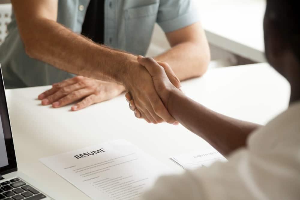 Rincian Penting yang Wajib Ada dalam Surat Perjanjian Kerja