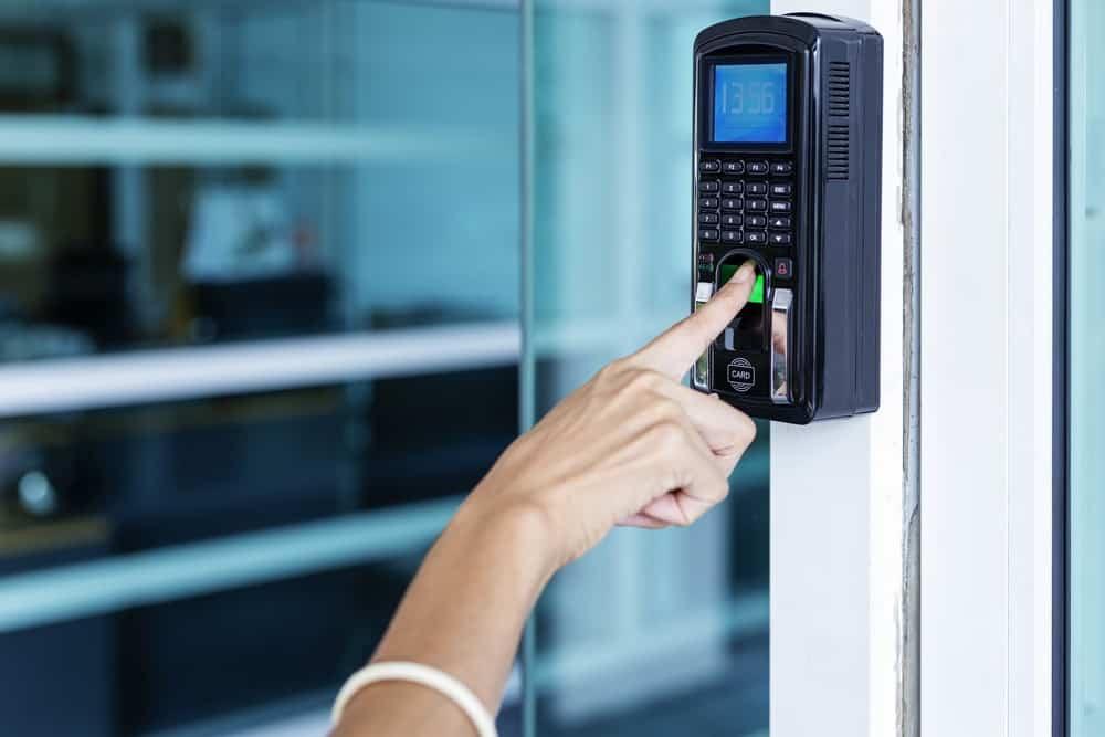 Pahami Kolaborasi Sistem Absensi Online dan Biometrik untuk Memudahkan Kinerja HR