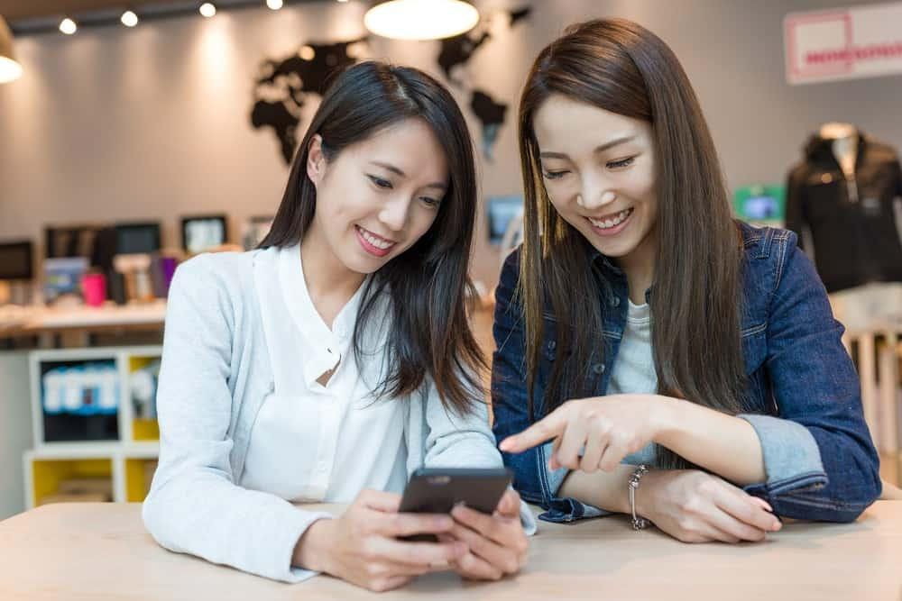 3 Alasan Menggunakan Aplikasi HRIS Mobile untuk Karyawan