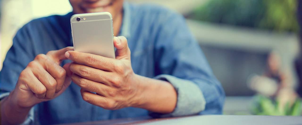Absensi Online VS Fingerprint, Mana yang Lebih Cocok untuk Perusahaan Anda?