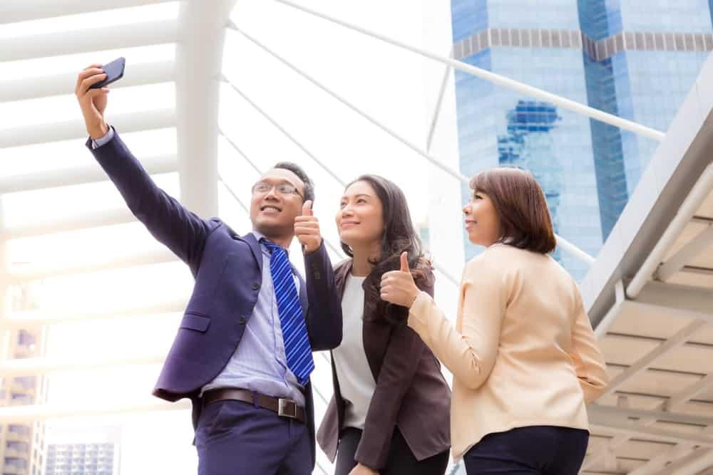 6 Fitur Aplikasi Absensi untuk Membantu Karyawan dan Perusahaan