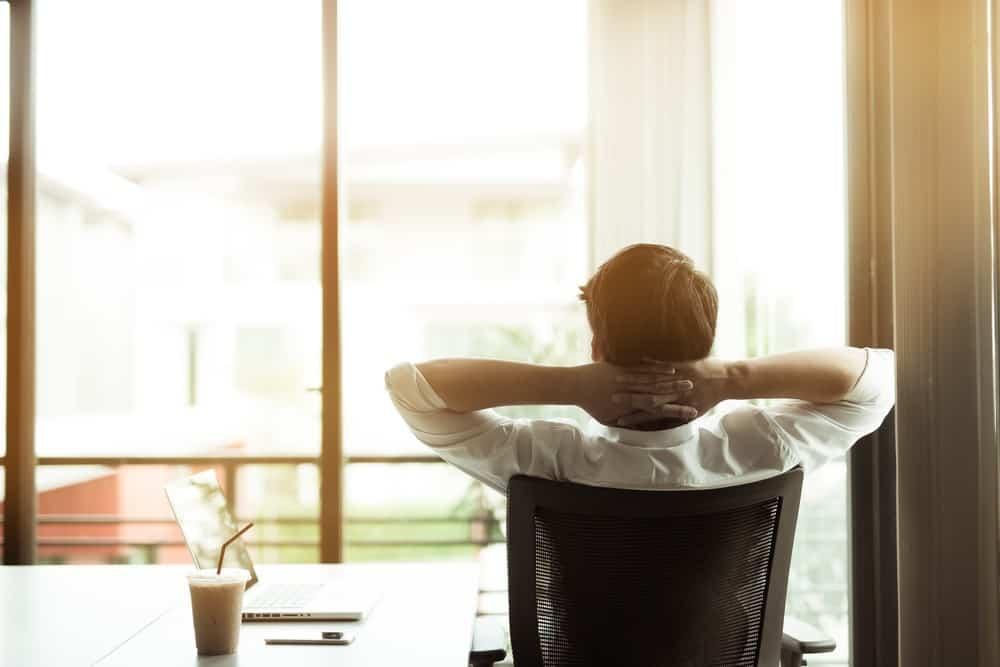 Selain Perhitungan Lembur yang Tepat, Lakukan Juga 4 Tips Berikut untuk Mengapresiasi Karyawan Anda