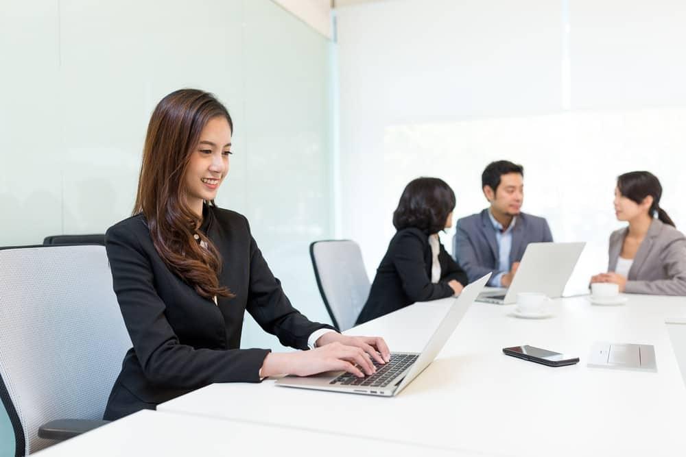Fitur Cuti Online yang Diunggulkan Aplikasi HR