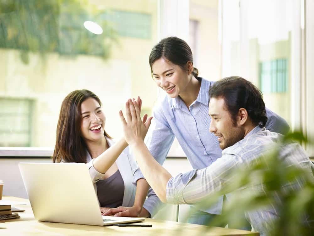 5 Keuntungan Penggunaan Software HRD Indonesia5