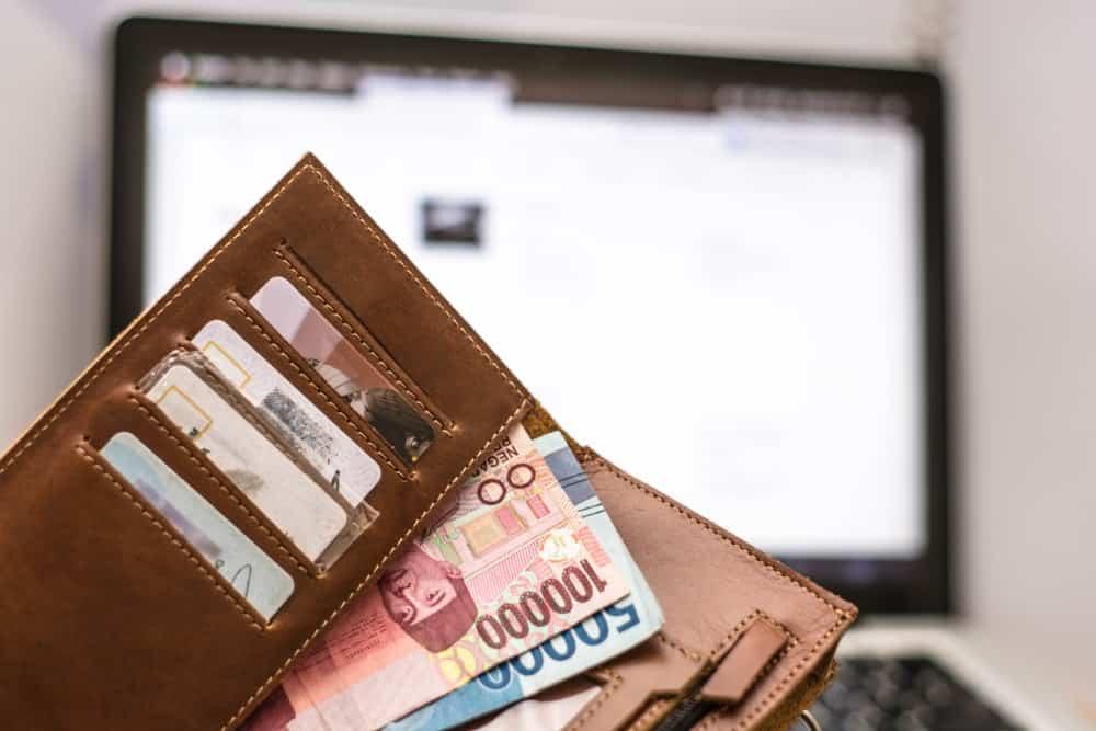 Beragam Bonus dan Tunjangan Perusahaan yang Dapat Dikelola Lewat Software HRIS