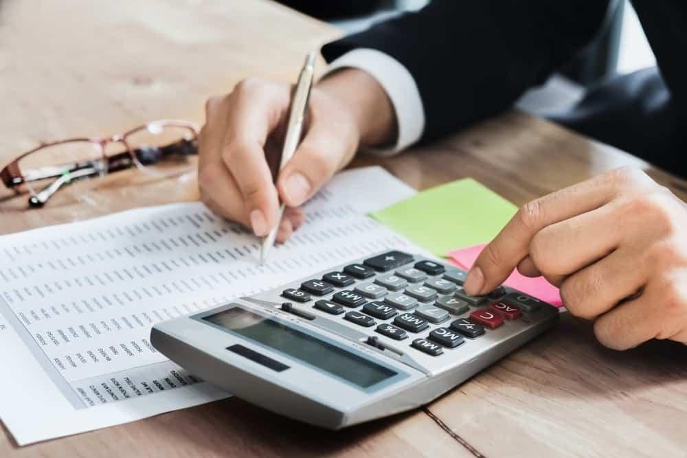 Ketahui 5 Dasar Pertimbangan Perhitungan Gaji Karyawan untuk Menarik Calon Tenaga Kerja Berkualitas
