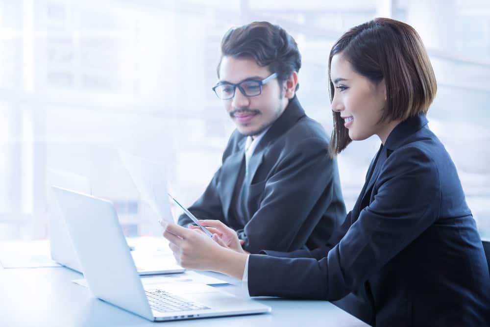 Pemangkasan Waktu Urus Administrasi? Aplikasi Karyawan Jawabannya