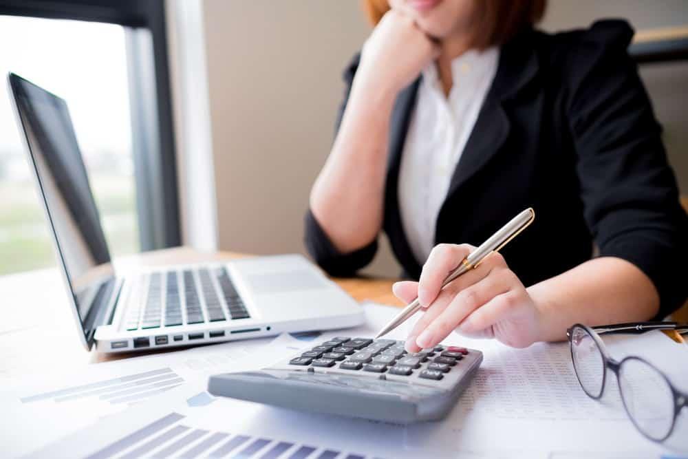 Contoh Perhitungan PPh 21 untuk Tenaga Ahli yang Dipekerjakan Perusahaan
