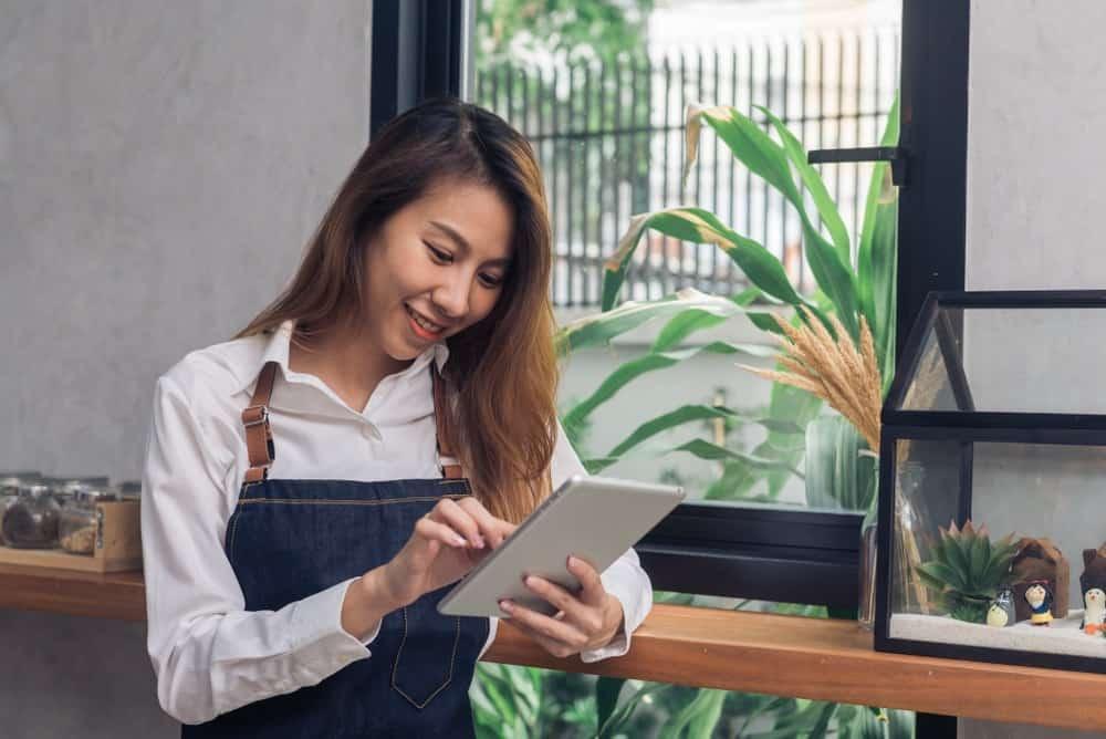5 Tips Memilih Software  HRIS untuk Bisnis UKM