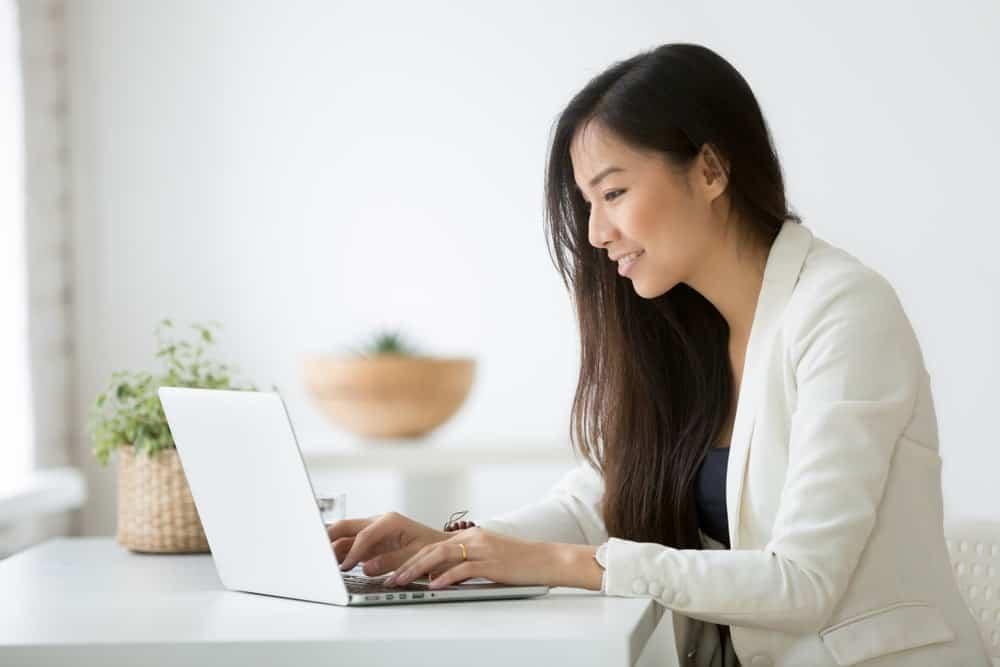 Hitung Gaji Karyawan Lebih Efektif dengan HRIS Terpadu