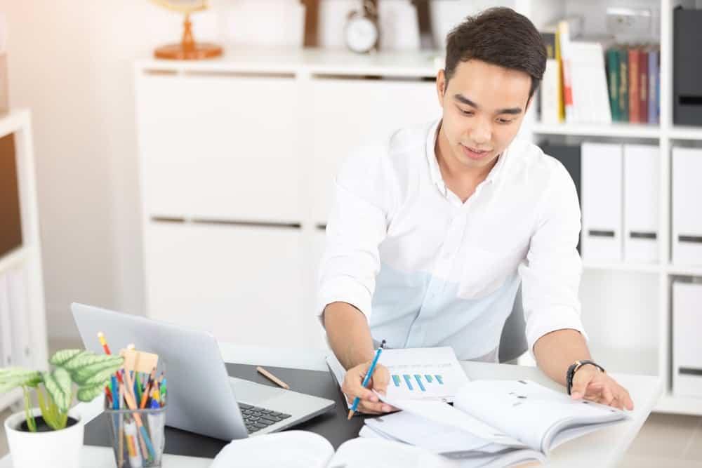 Penggunaan Aplikasi HRIS Dalam Membantu Meringankan Beban Tugas HR di Perusahaan