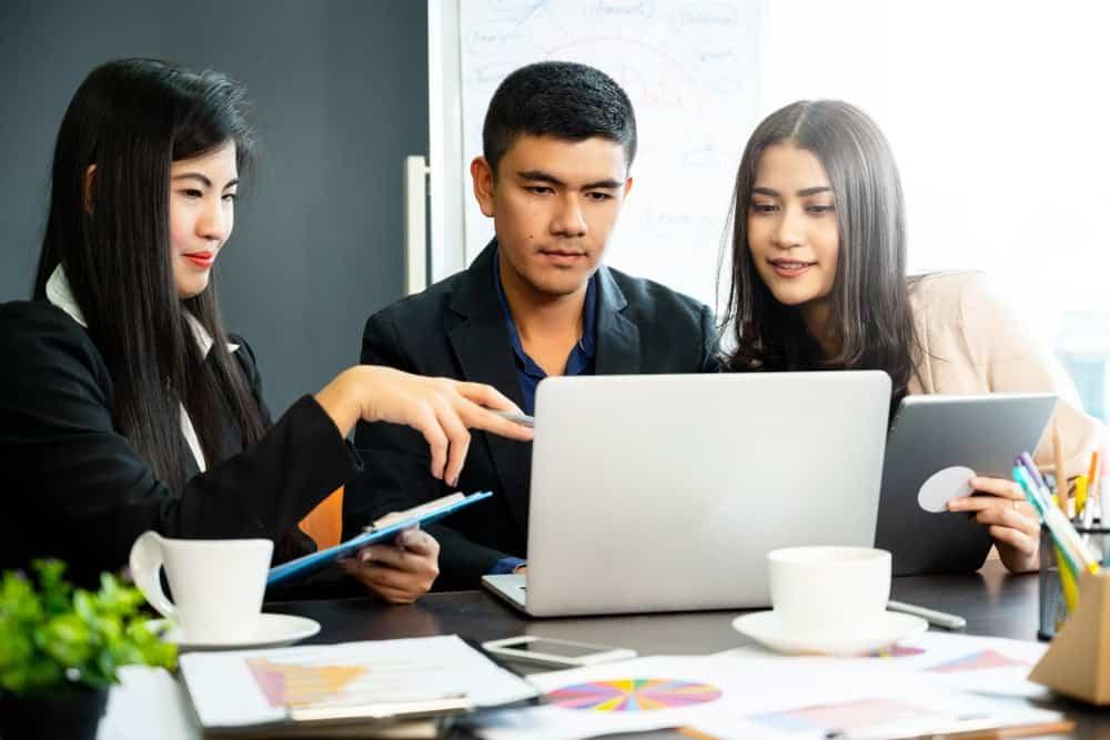 Penggunaan HR Software Indonesia dalam Menyambut Revolusi Industri