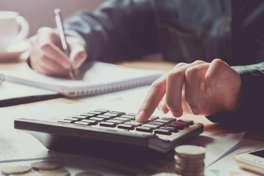 Peraturan & Cara Hitung THR Bagi PKWTT, PKWT, dan Pekerja Lepas