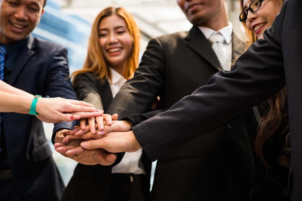 Cara Mempertahankan Karyawan yang Menjadi Aset Ber …