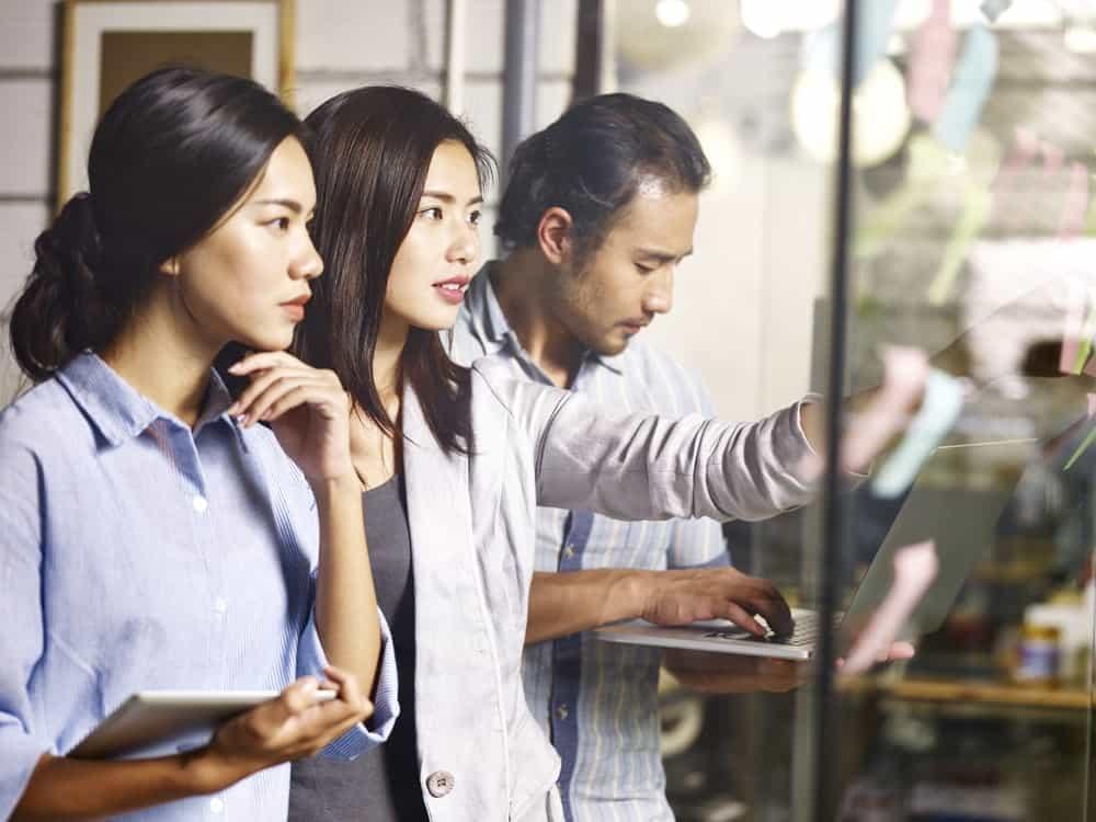 Strategi Branding Karyawan Untuk Menarik dan Mempertahankan Karyawan Terbaik