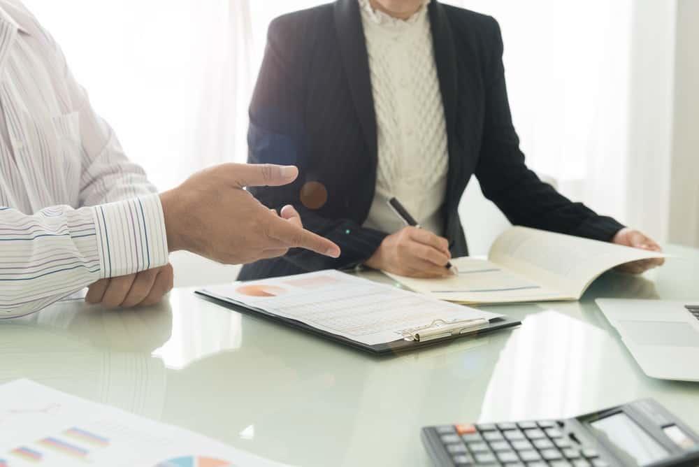 Hubungan Pajak Penghasilan & Penggunaan Aplikasi HR