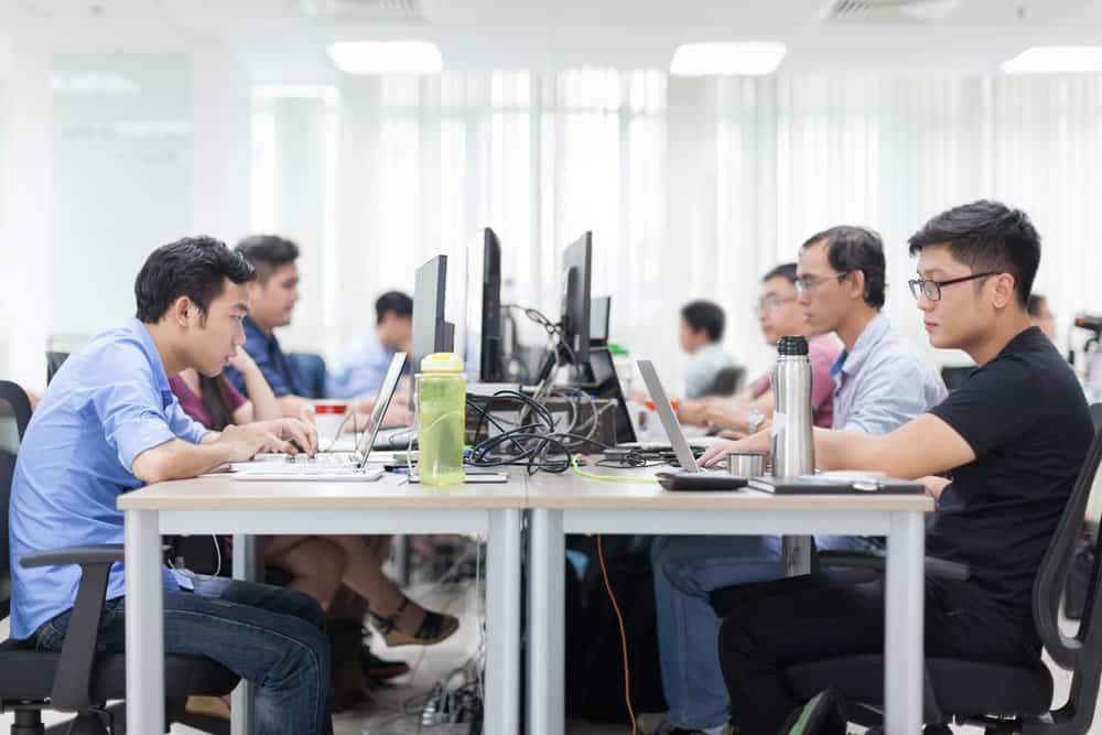 Pengelolaan & Pemanfaatan Database Karyawan di Perusahaan