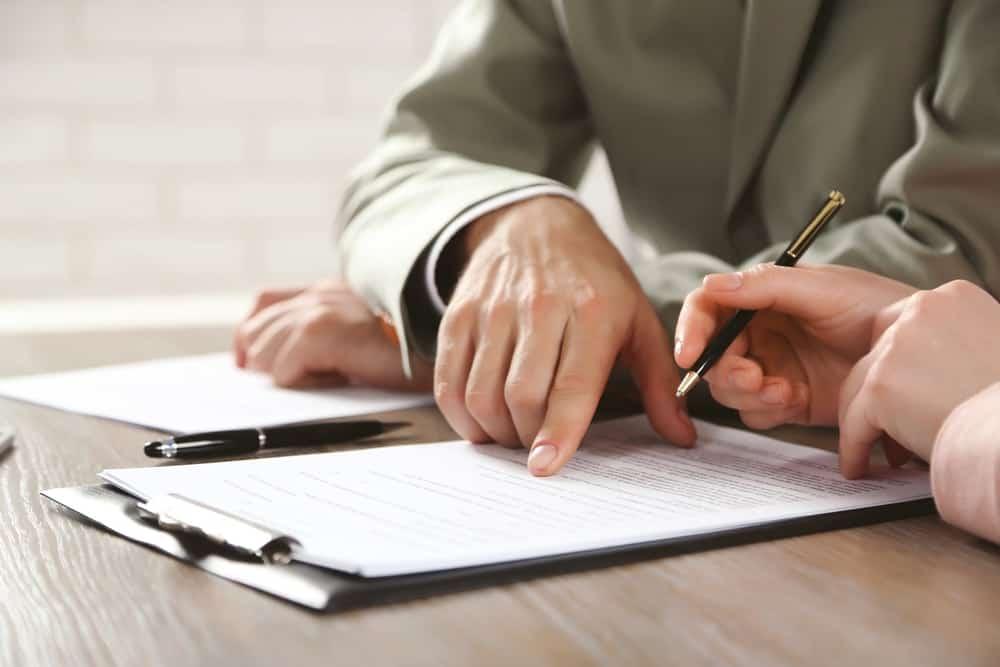 Hak-Hak Karyawan Kontrak (PKWT) yang Perlu Diketahui HR