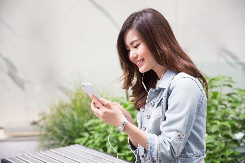 Mengajukan Cuti Karyawan Manual VS Melalui Aplikasi HR
