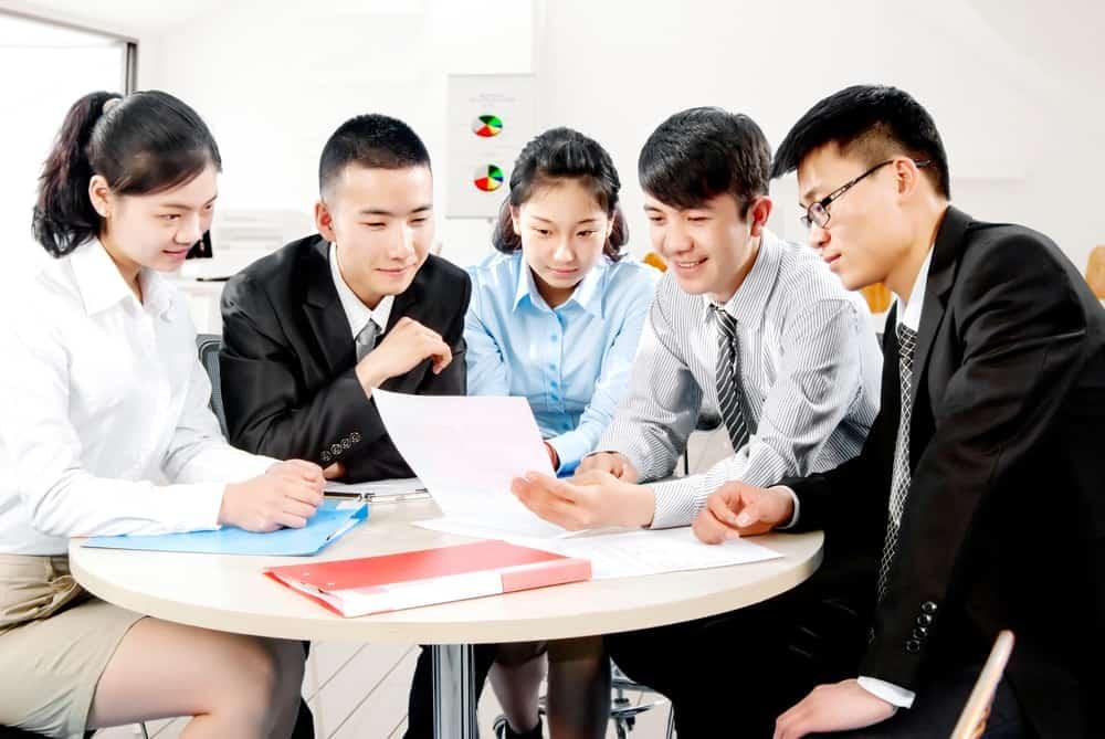Persiapan Tim HRD untuk Menjalankan Program Orientasi Karyawan Baru