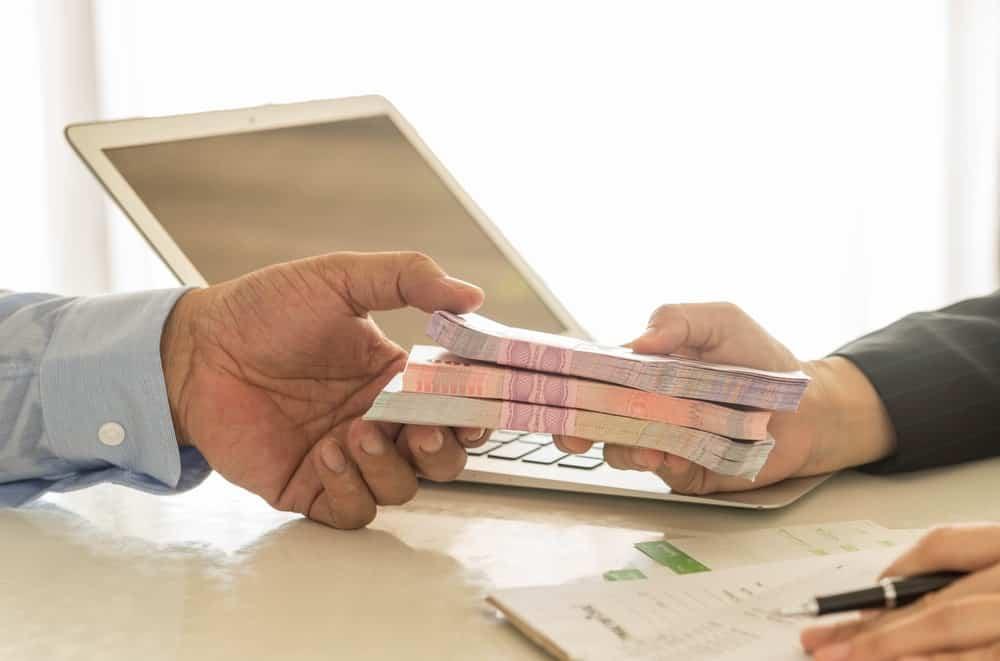 Pinjaman Karyawan dan Kewajiban Perusahaan, Apa Hu …