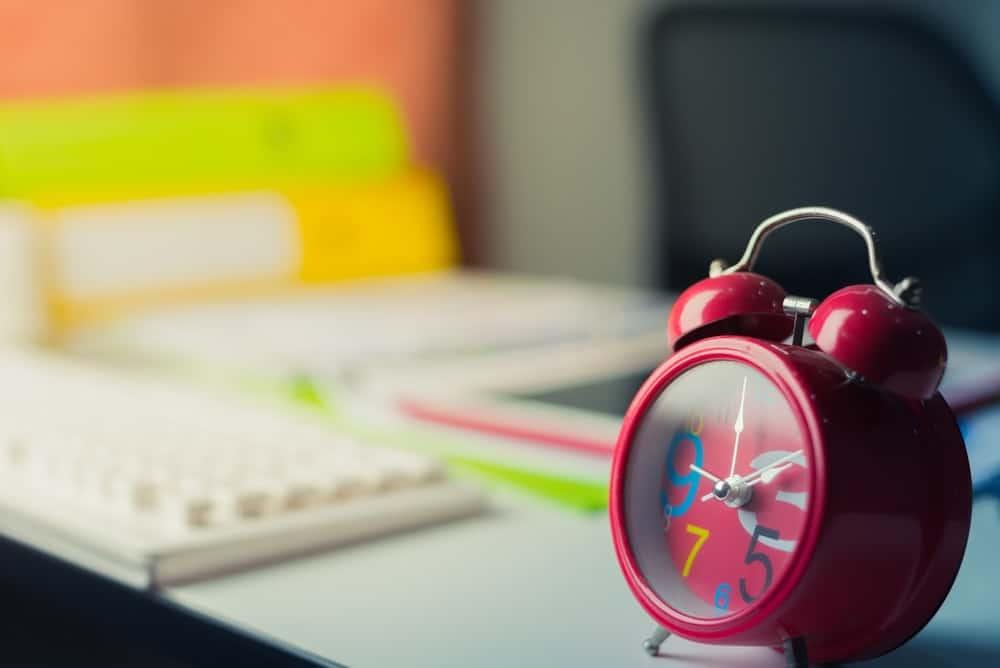 Peraturan Shift Kerja Karyawan Menurut Undang-Undang yang Berlaku