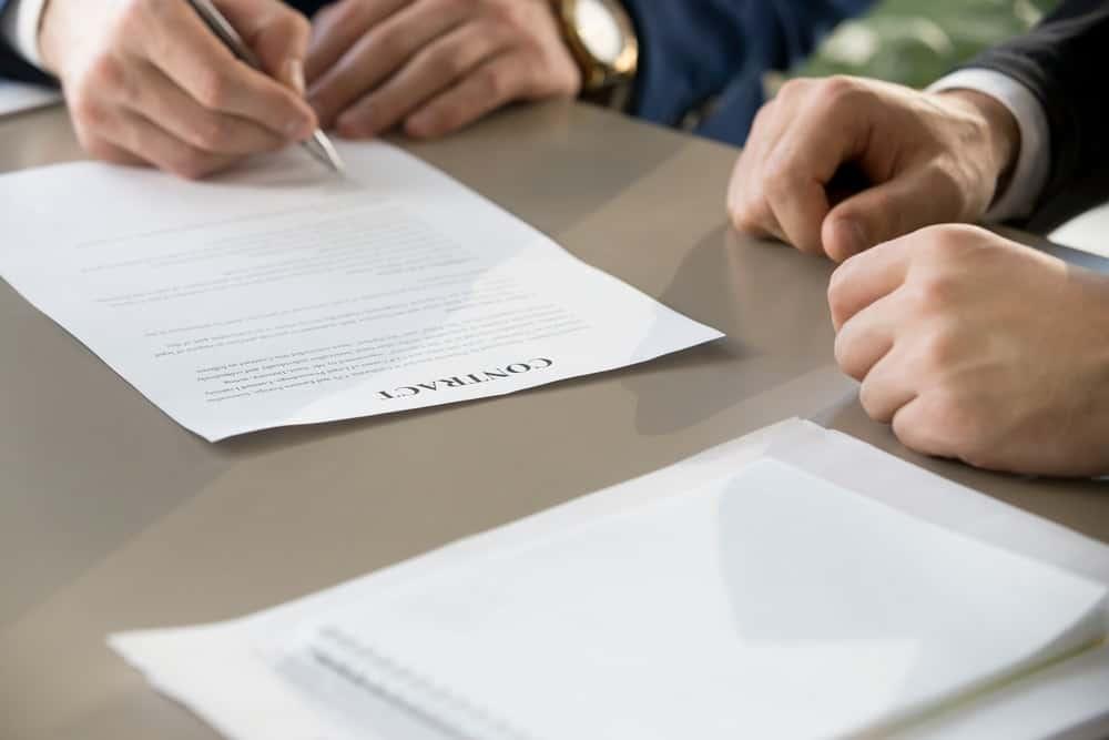 Aturan Pesangon Bagi Karyawan Kontrak yang Resign