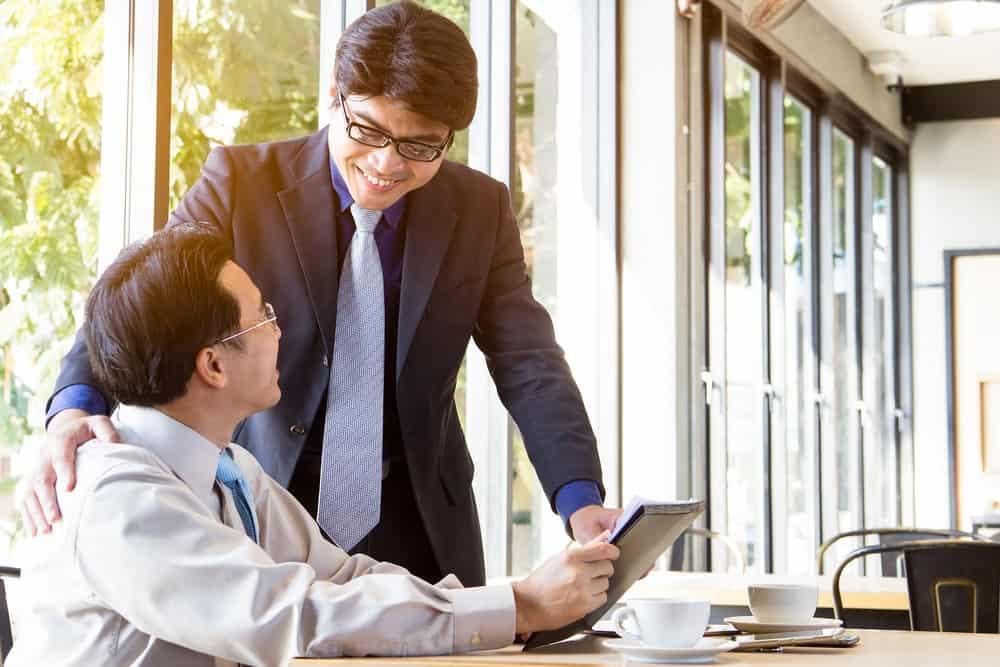 Manfaat Menjalin Hubungan Baik Dengan Atasan di Kantor